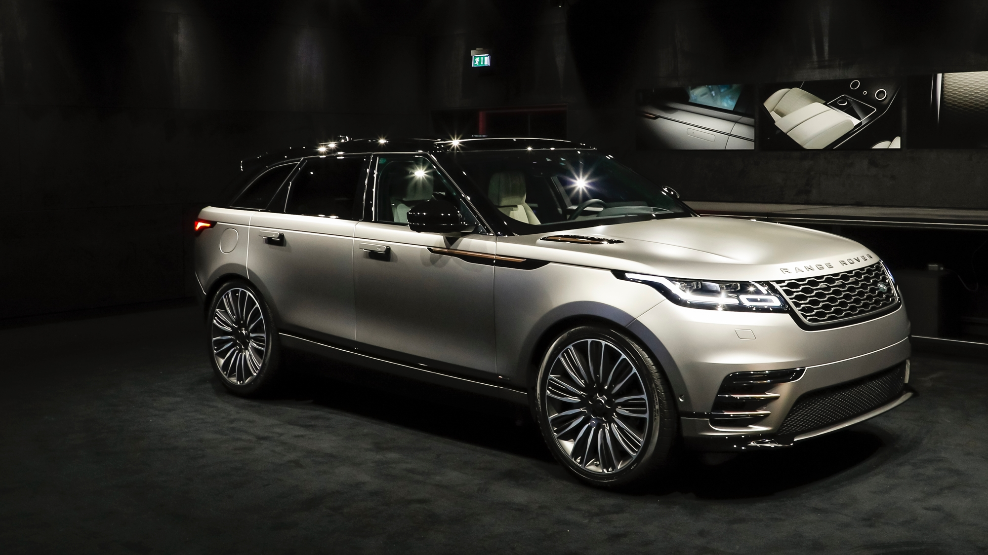 range rover velar seid bei der deutschland premiere in. Black Bedroom Furniture Sets. Home Design Ideas