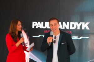 Paul van Dyk neben Melissa Khalaj