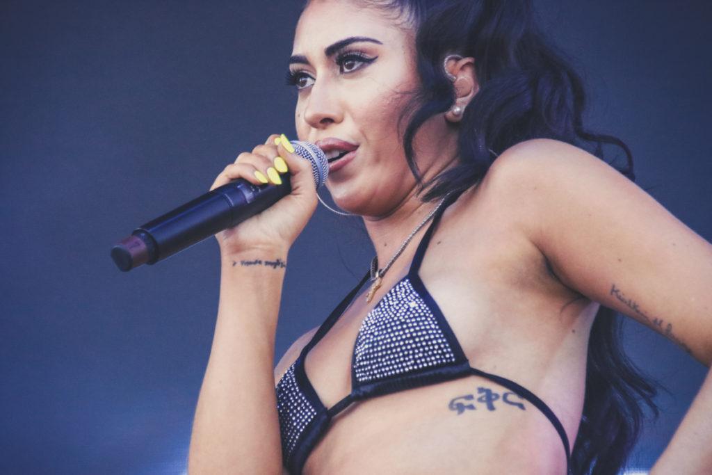 Kali Ushis beim Roskilde-Festival 2018