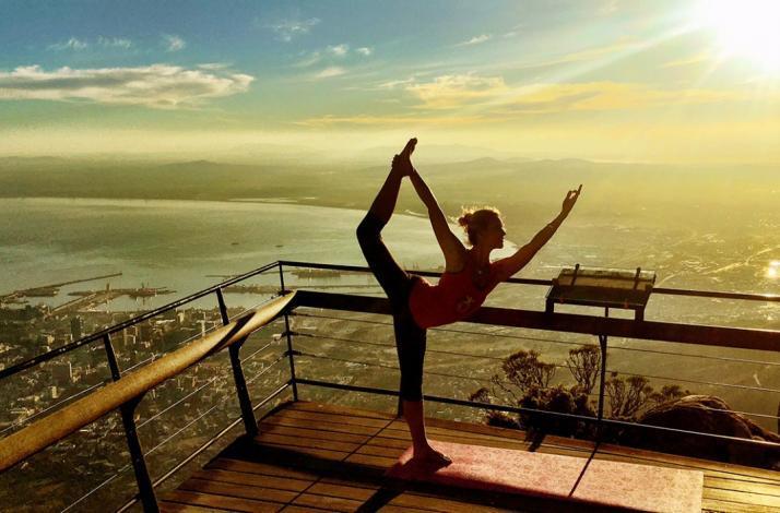 Yogakurs auf dem Tafelberg in Südafrika.Bild: Mastercard®
