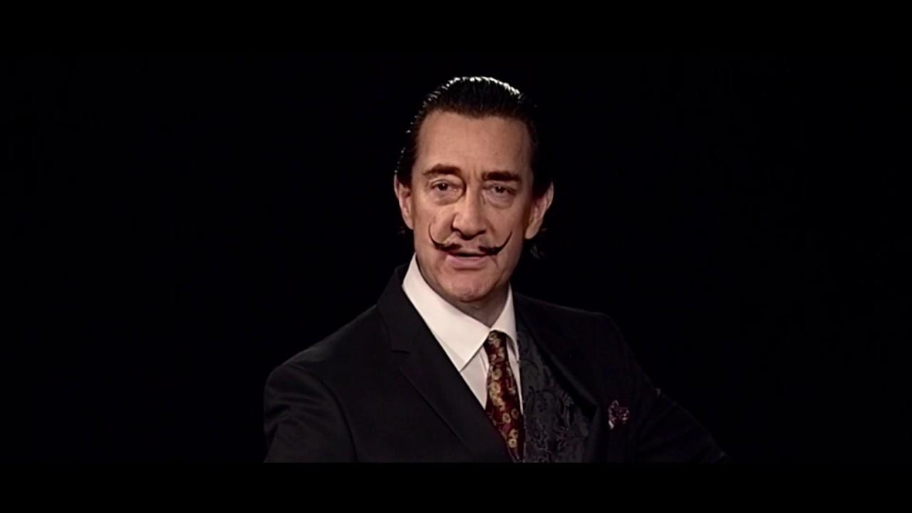 Salvador Dalí lebt und macht Selfies mit Fans